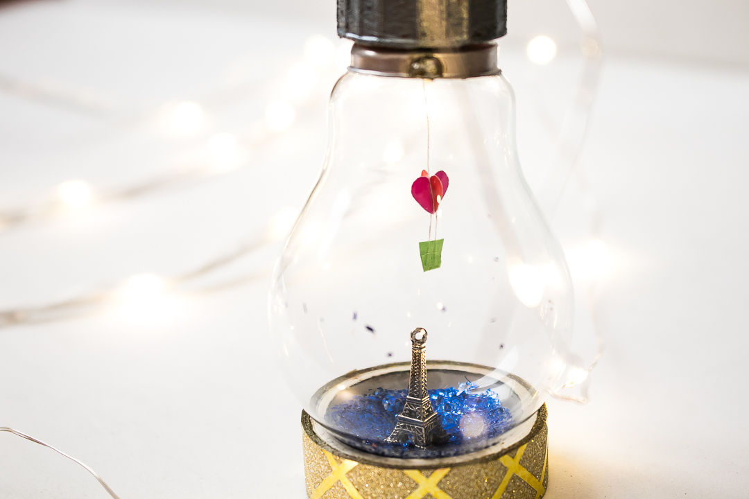 Light bulb miniature valentine 39 s day diy shine crafts for Light bulb diy projects